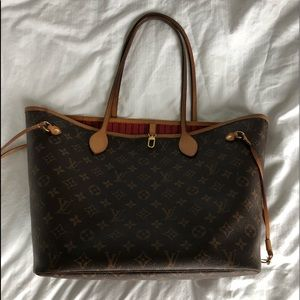 Louis Vuitton Bags - Louis Vuitton Neverfull MM Bag & Clutch